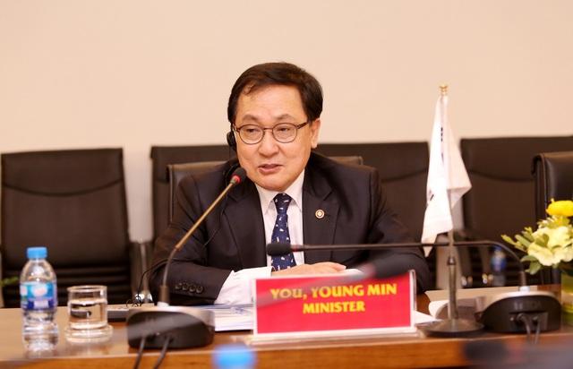 Bộ trưởng Bộ Khoa học và Công nghệ thông tin Hàn Quốc You Young Min.