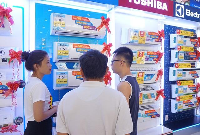 Máy lạnh đang hút hàng tại TPHCM