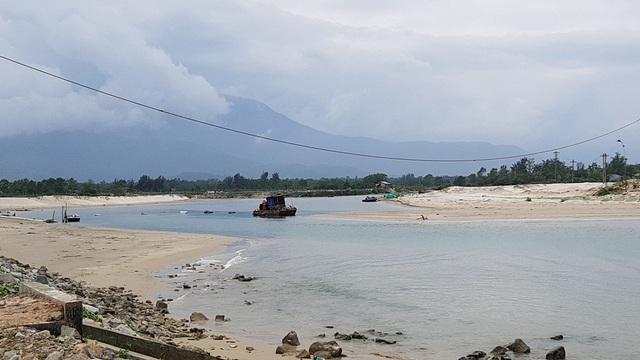 Cửa biển Lạch Giang những ngày giữa tháng 3/2018 sau khi thi công nạo vét hơn 1 năm