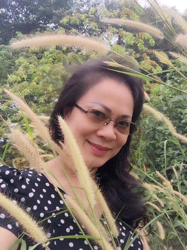 Ngoài việc diễn viên, nghệ sĩ Hương Dung còn là một nghệ sĩ đa năng, chị kiêm nhiệm với nhiều vai trò khác nhau như phó đạo diễn, tổ chức sản xuất phim, giảng dạy diễn xuất, điều hành nhóm lồng tiếng,...