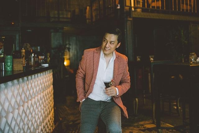 Cùng với âm nhạc, hình ảnh của Lam Trường vẫn phong độ như ngày nào dù đã bước qua tuổi ngoài 40 cũng khiến khán giả trầm trồ.