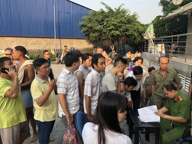 Công an rà soát danh sách các nạn nhân, hỗ trợ cho người dân về căn hộ lấy tài sản