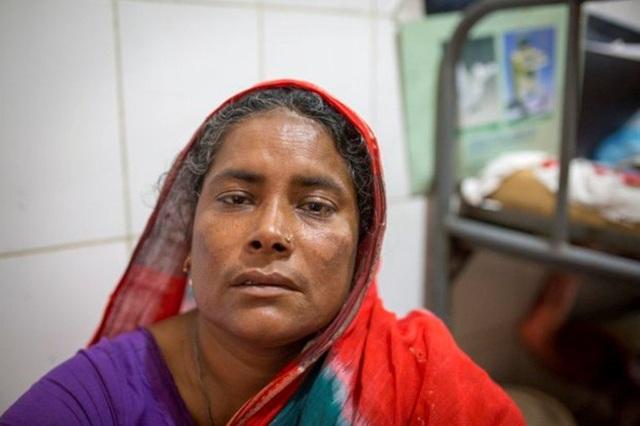 Mẹ của Mahmudul phải vào viện chăm con