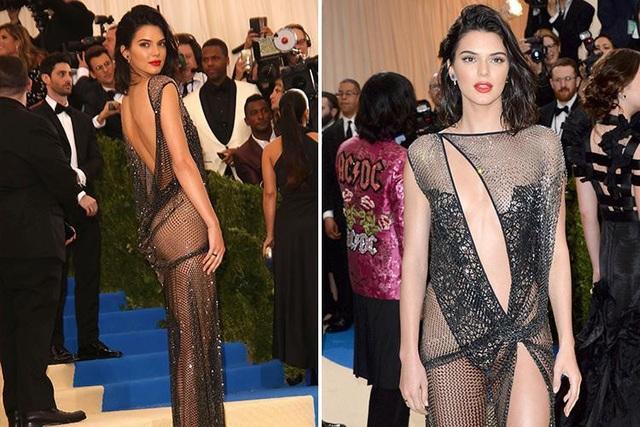 Người mẫu Mỹ Kendall Jenner (22 tuổi) xuất hiện tại một đêm tiệc thời trang đình đám của giới sao Mỹ với bộ đầm lưới vừa trong suốt vừa cắt xẻ táo bạo.