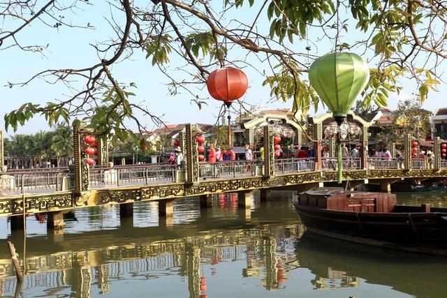 Sông Hoài thơ mộng được người dân và du khách rất yêu thích