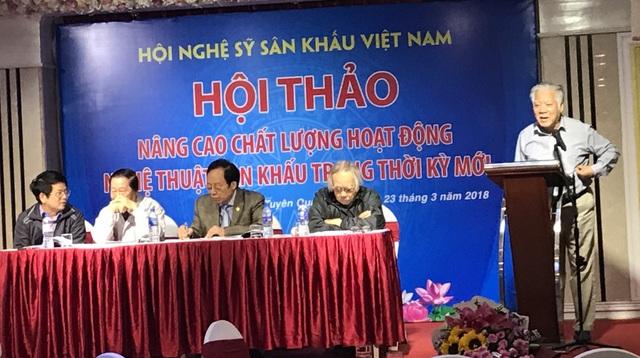 Các đại biểu phát biểu tại hội thảo Nâng cao chất lượng hoạt động nghệ thuật sân khấu trong thời kỳ mới. Ảnh: Thúy Hiền.