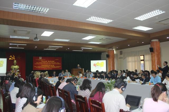Tọa đàm thu hút đông đảo các nhà khoa học, chuyên gia, diễn giả trong và ngoài nước tham dự.