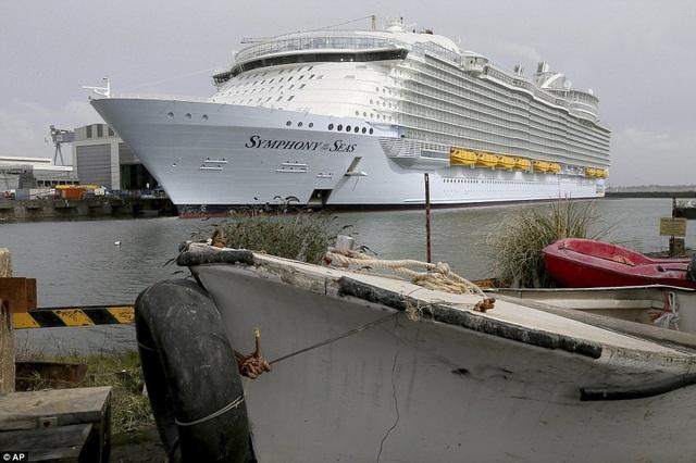 Ngày 24/3, du thuyền bắt đầu di chuyển trong khu vực Địa Trung Hải trước khi quay về cảng Miami, Mỹ. (Ảnh: AP)