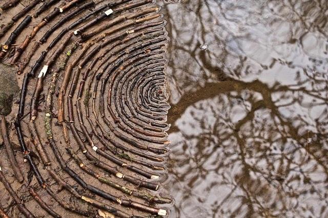 Tĩnh lại để chiêm ngưỡng những vòng tròn đá cuội tĩnh lặng - 13