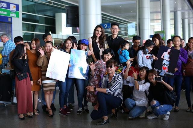 Người đẹp hạnh phúc với tình cảm của khán giả Việt Nam