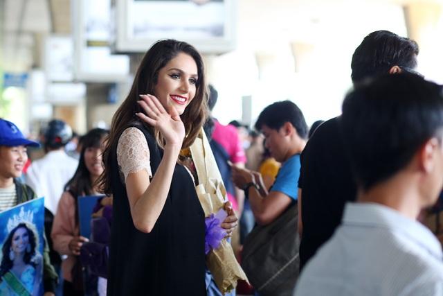 Hoa hậu Chuyển giới Brazil xinh đẹp bất ngờ xuất hiện tại Việt Nam - 10