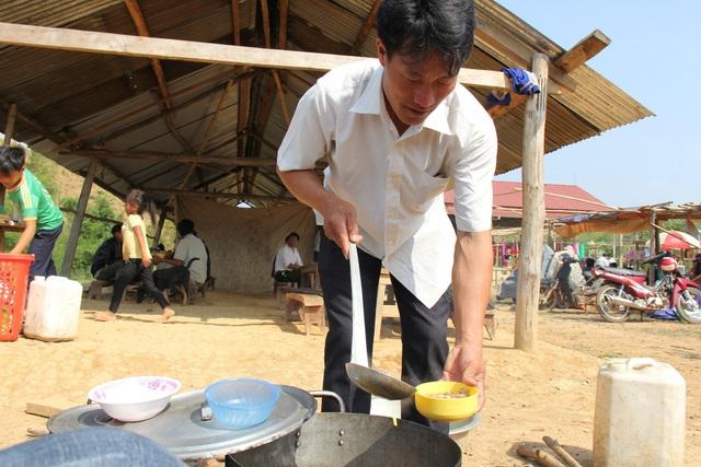 Thắng cố là món ăn truyền thống được làm từ nội tạng động vật