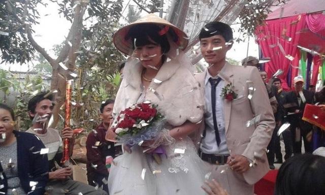 Thời điểm làm đám cưới, chú rể vừa bước sang tuổi 25 còn cô dâu đã 39 tuổi