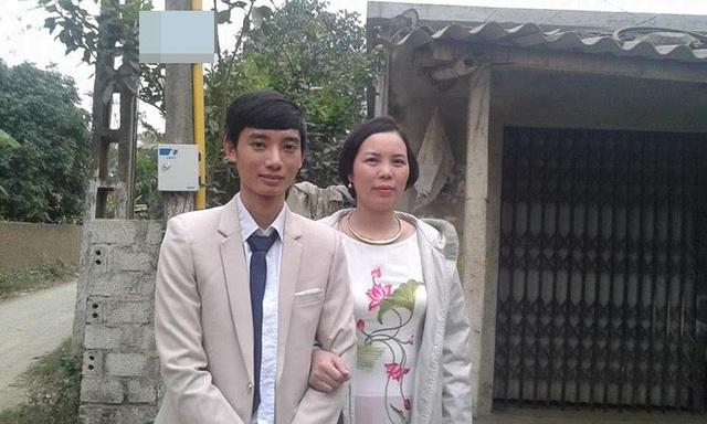 Chuyện tình của chú rể Bùi Ngọc Đức (SN 1992, Thanh Hóa) và cô dâu Phan Phương Ngọc (SN 1979) từng gây xôn xao dư luận bởi sự chênh lệch tuổi tác