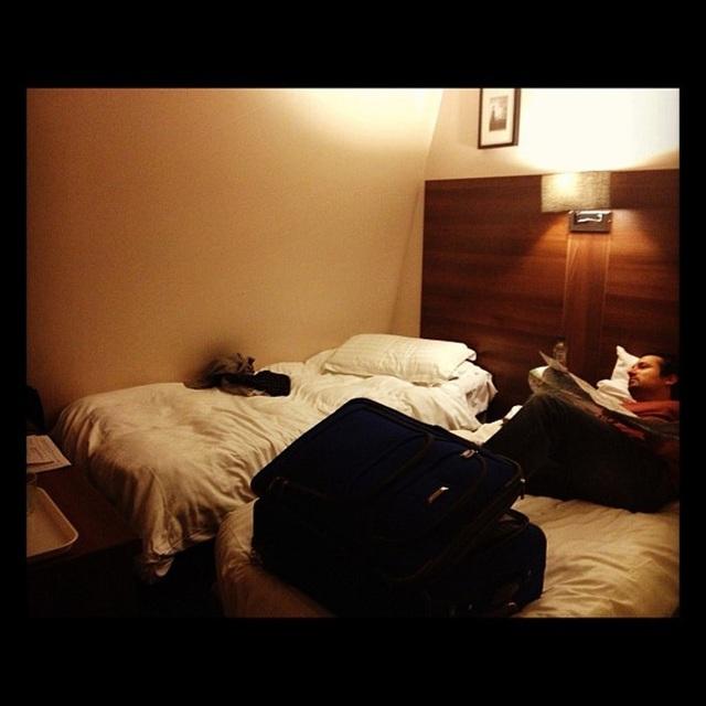 Nhưng khi du khách tới nhận phòng, họ lại thấy thất vọng với không gian nhỏ hẹp bên trong.