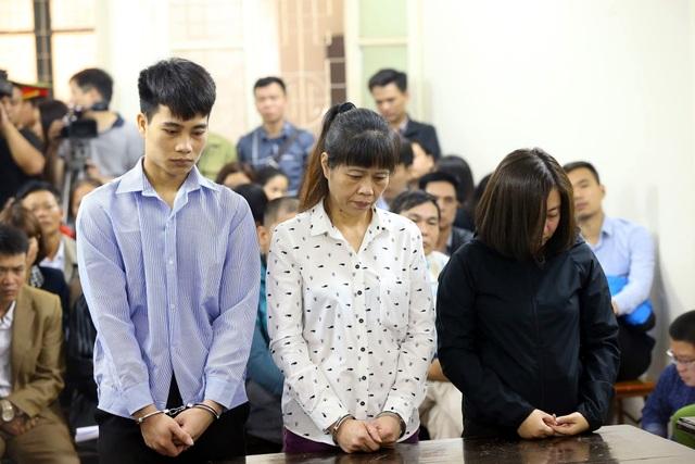 Ba bị cáo tại phiên xử sơ thẩm.