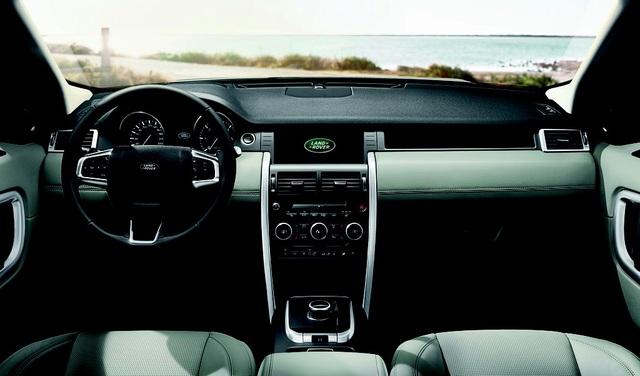 Land Rover Discovery Sport một trong những mẫu SUV mạnh mẽ và lôi cuốn nhất