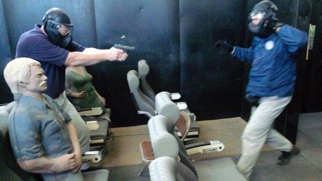 Bên trong một lớp đào tạo phi công chống khủng bố năm 2003 (Ảnh: Getty)