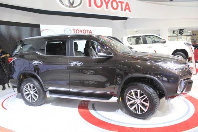 Nhập khẩu xe để nghiên cứu, Toyota cũng gặp rắc rối (Ảnh minh họa)