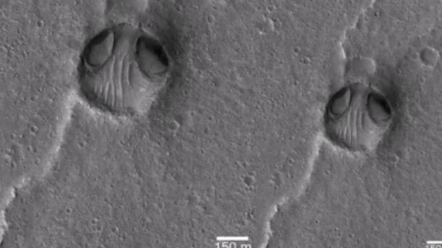 Cấu trúc đá giống khuôn mặt người ngoài hành tinh trên bề mặt sao Hỏa.