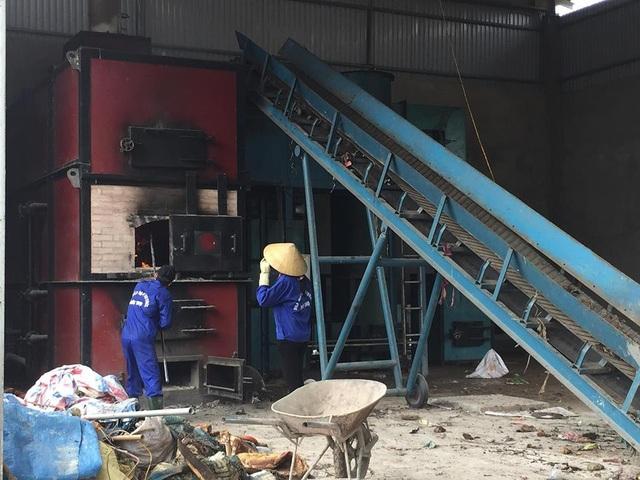 Vụ dân chặn bãi rác vì ô nhiễm: Huyện xin lỗi dân vì cấp dưới yếu kém - 2