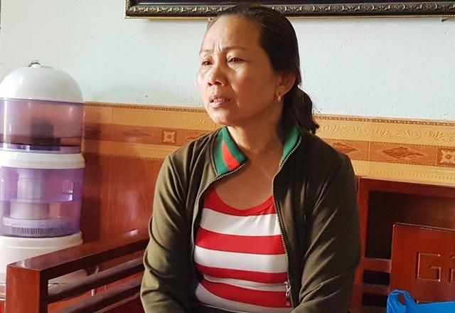 Bà Huyền vợ nạn nhân Hoa bức xúc trình bày sự việc với PV.