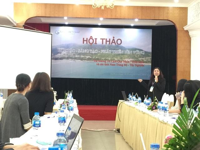 Bà Nguyễn Thị Xuân Lan, Phó Chủ tịch Hiệp hội Du lịch Bình Định, đồng thời là người sáng lập điều hành GoldenLiffe Travel tại buổi hội thảo