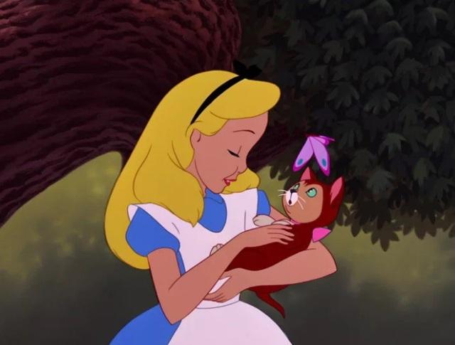 Cô bé Alice trong những câu chuyện thần tiên cổ tích.