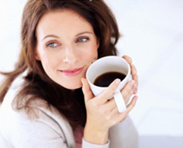 Phụ nữ sử dụng nhiều chất cafein ít bị ù tai - 1