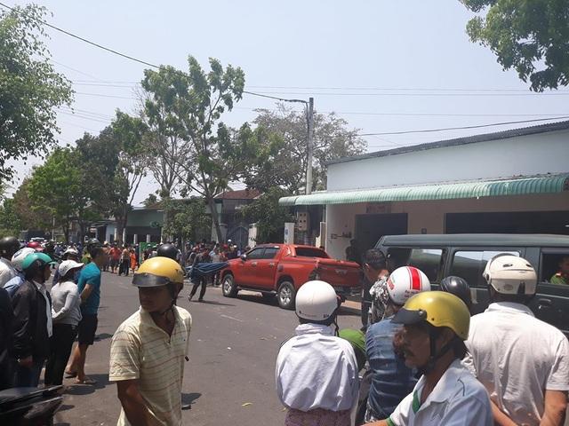 2 trong 3 nghi phạm trong vụ giết người tại tỉnh Kon Tum vẫn đang bị lực lượng Công an Quảng Ngãi vây bắt (Ảnh Phạm Hoàng)