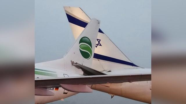 Hình ảnh vụ 2 máy bay va chạm và móc đuôi và nhau (Ảnh: Instagram)