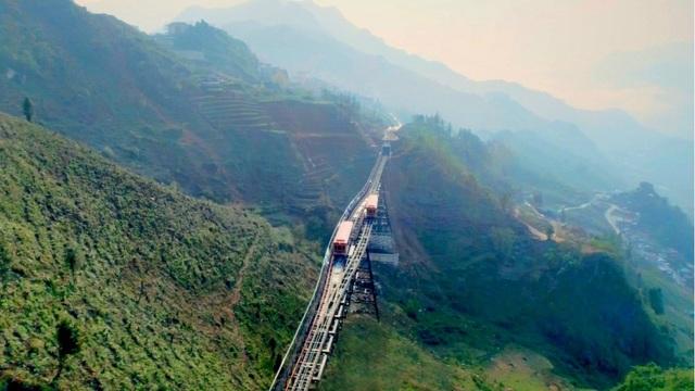 Sắp đưa vào vận hành tàu hỏa leo núi hiện đại nhất Việt Nam - 6