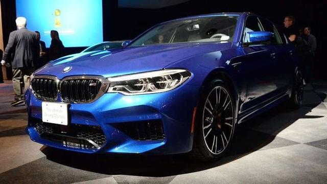 BMW M5 - Xe tính năng vận hành cao của năm 2018