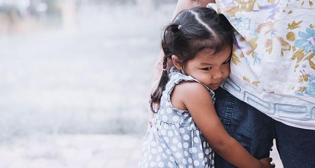 Sự hiện diện của bố mẹ kích thích sự gan dạ của trẻ - 1