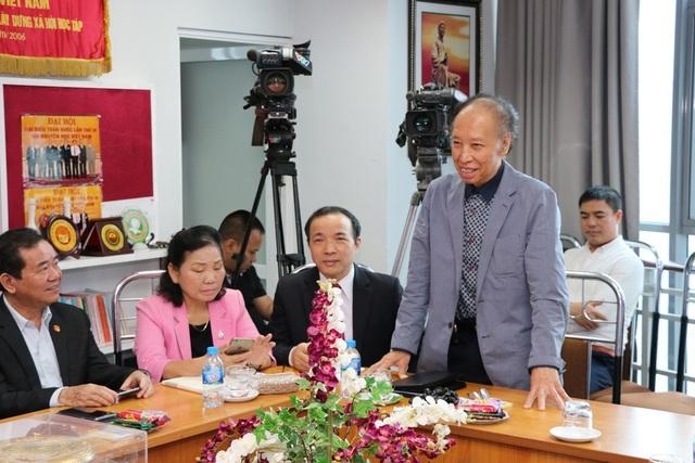 Ông Phạm Huy Hoàn - giám đốc Quỹ Khuyến học Việt Nam, Tổng biên tập báo điện tử Dân trí tại buổi làm việc.