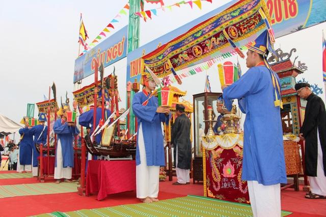 Đà Nẵng: Làng biển mở lễ hội cầu ngư - 4
