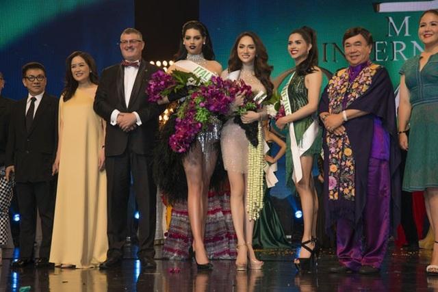 Hương Giang giành giải Tài năng tại Hoa hậu chuyển giới Quốc tế 2018 - 2