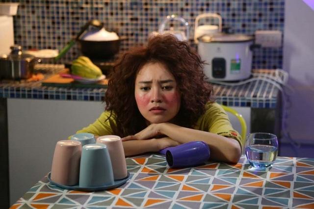 Tạo hình của Ninh Dương Lan Ngọc trong bộ phim She was pretty được chuyển thể từ kịch bản Hàn khiến cho cô nhận được nhiều lời chê dù bộ phim chưa chính thức ra mắt khán giả Việt Nam