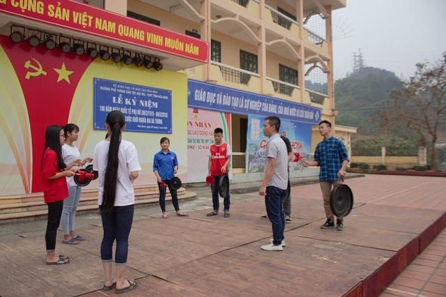 Người thầy đưa cồng chiêng của dân tộc Mường ở Hòa Bình vào trường học - 2
