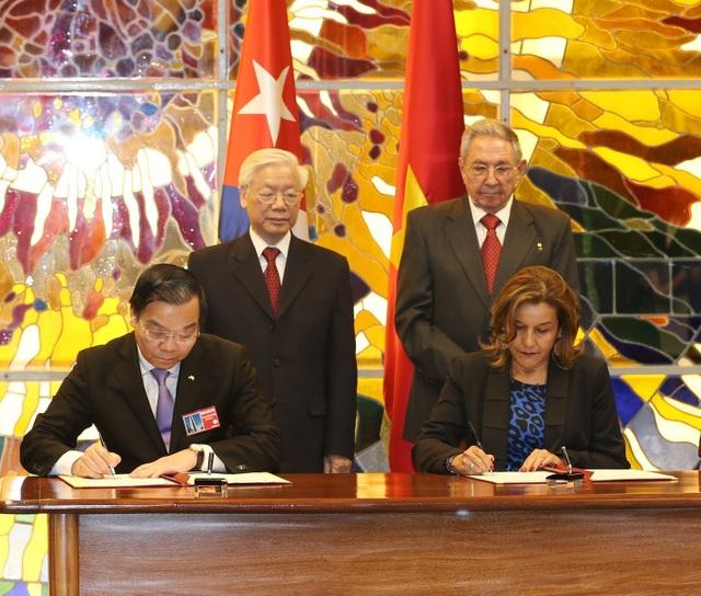 Lễ ký kết Bản ghi nhớ giữa Bộ Khoa học và Công nghệ Việt Nam với Bộ Khoa học, Công nghệ và Môi trường Cuba về tăng cường hợp tác khoa học công nghệ (Nguồn: TTXVN)