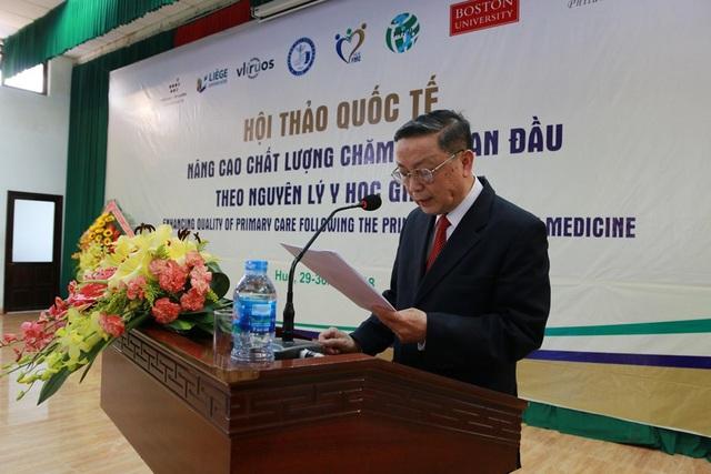 GS.TS. Lê Ngọc Trọng, nguyên Thứ trưởng Bộ Y tế, Chủ tịch Hội Bác sĩ gia đình Việt Nam phát biểu tại hội thảo.