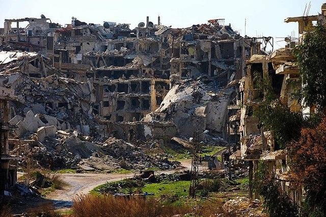 Một dãy nhà đổ nát ở thành phố cổ Homs