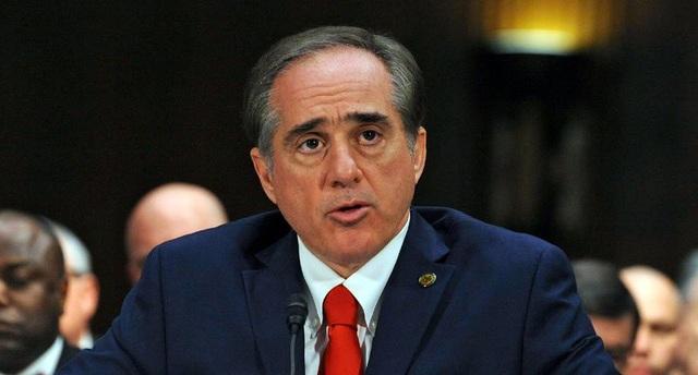 Cựu Bộ trưởng Cựu chiến binh David J. Shulkin (Ảnh: Robert Turtil)
