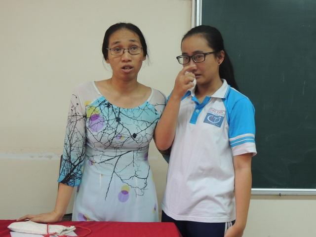 Em Song Toàn và cô Trần Thị Minh Châu gặp gỡ sau sự việc cô giáo lên lớp không giảng bài được đưa ra dư luận