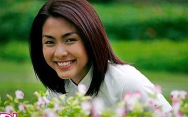 Đến năm 2007, Tăng Thanh Hà trở về Việt Nam và được chọn vào đóng vai Diễm Trúc trong phim truyền hình Bỗng dưng muốn khóc.