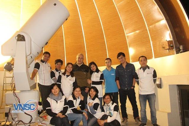 Vận hành và chụp ảnh với kính thiên văn tại Đài Thiên văn Hòa Lạc/Nguồn: Trung tâm Vũ Trụ Việt Nam.