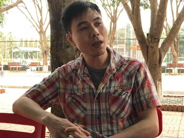 Anh Nguyễn Cảnh Toàn người bị Đức tông xe đến 3 lần, nhưng sau đó lại bị công an mời làm việc bằng xe thùng.