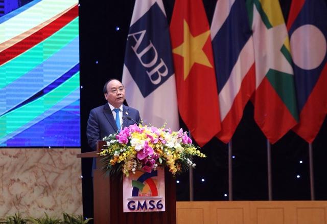 Thủ tướng Nguyễn Xuân Phúc chủ trì phiên họp toàn thể Hội nghị GMS (ảnh: Hữu Nghị)