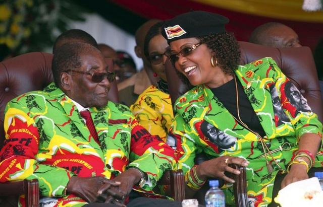 Cựu Tổng thống Robert Mugabe và phu nhân Grace Mugabe (Ảnh: AFP)