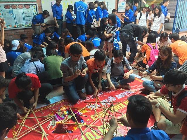 Sinh viên tình nguyện tiếp lửa tri thức tới làng trẻ em SOS Hà Nội - 2
